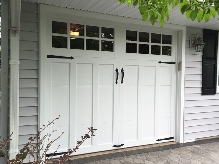 clopay-coachman-door-in-kendall-park-nj